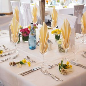 dillmanns-speicher-nordwalde-muensterland-eventlocation-hochzeitslocation-heiraten-tisch-1.jpg